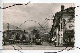 CPSM. PF. D42. TERRENOIRE . Place Des Frères Vidal . Tramway, Trolleybus . Café. Les Tirages Modernes - Autres Communes