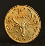 Madagascar 10 Francs (2 Ariary) 1987.  African Coin. Circulated Km11 - Madagaskar