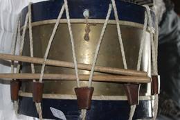 Tambour à Restaurer + Baguettes - Instruments De Musique