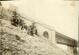FRIBOURG Superbe Photo Ancienne Vers1900-1910 (18x12) Pensionnaires Au Pont De La Grande Fey (voir Commentaire) - Places