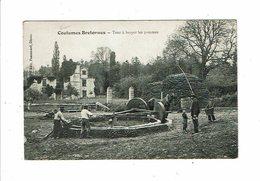 Cpa COUTUMES BRETONNES Tour à Broyer Les Pommes Moulin Chevaux Hommes Au Travail Ed Passemard - Bretagne