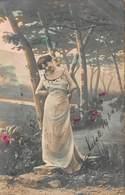 PRETTY YOUNG GIRLS-HOLDING 19BEAUTIFUL YOUNG WOMAN POSING LONG WHITE STRAP DRESS-1900s GERMAN PHOTO POSTCARD 40865 - Fashion