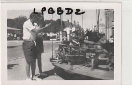 PHOTO ANCIENNE - 44 - LE CROISIC - Enfants Sur Un Manège - 1949 - Lieux