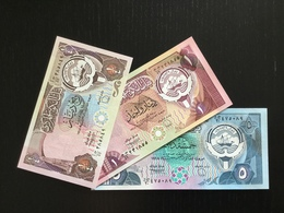 KUWAIT SET 1/4 1 5 DINARS BANKNOTES (1980) UNC - Kuwait