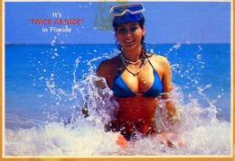 It's Twice As Nice In Florida - Donnina - Formato Grande Viaggiata – E 12 - Cartoline