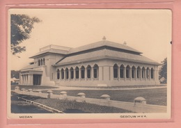 OLD POSTCARD INDONESIA - SUMATRA - MEDAN -  GEBOUW HVA  15 X 10 CM - Indonésie