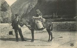 Région: Pyrénées - Porteuse De Lait (Vieille Dame Sur Son Äne) - France