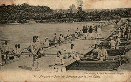 Militaire 84. Avignon Pont De Bateaux Par Le 7èm Régiment Du Génie - Regimientos