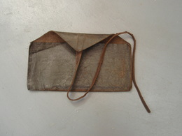 Petit Sacoche De Cuir à Identifier - 1914-18
