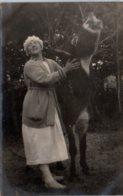 17 CHATELAILLON - Femme Avec Son âne - Châtelaillon-Plage