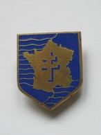 Ancien Insigne De Régiment 2° DB Insigne Métallique De La 2° Division Blindée - DARGO  **** EN ACHAT IMMEDIAT **** - Army