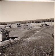 Foto Bauernhäuser Und Scheunen Im Bau - Osteuropa - Russland  - 2. WK - 5,5*5,5cm (42268) - Krieg, Militär