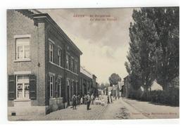 Leut  LEUTH. - De Dorpsraat  La Rue Du Village - Maasmechelen