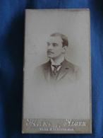 Photo CDV  Max à Alger  Portrait Homme  Petite Moustache  CA 1890 - L423 - Photos