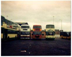 35mm ORIGINAL PHOTO ENGLAND BUS OMNIBUS STATION  - F987 - Photographs