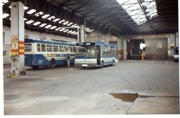 35mm ORIGINAL PHOTO ENGLAND BUS OMNIBUS STATION  - F998 - Photographs