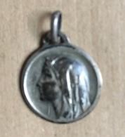 Médaillon Religieux (Diamètre : 2 Cm) - Juwelen & Horloges