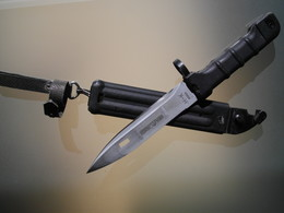Baionnette Dague Militaire 6×5 AK 74 Bulgare Russe - Armes Blanches