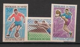 Niger - 1966 - N°Yv. 178 à 180 - Football - Non Dentelé / Imperf. - Neuf Luxe ** / MNH - Fußball-Weltmeisterschaft