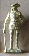 MONDOSORPRESA, (SLDN°14) KINDER FERRERO, SOLDATINI IN METALLO  MOSCHETTIERI 1670 N° 3 - SCAME 40MM - Figurine In Metallo