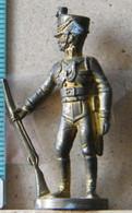 MONDOSORPRESA, (SLDN°19) KINDER FERRERO, SOLDATINI IN METALLO  PRUSSIANI 40 MM - Figurine In Metallo