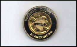 Soccer Pins Torino Juve Vecchio Cuore BiancoNero Calcio Football Pin - Calcio