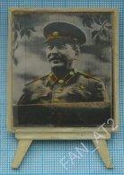USSR / Soviet Union / RUSSIA Tabletop Souvenir Generalissimo Stalin Photo-portrait. Stereo  Stereoscope 3 D.1955 - Personen