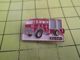1012b  Pin's Pins / Beau Et Rare : THEME : TRANSPORTS / IVECO CAMION DE POMPIERS - Transportation