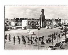 62 Calais La Place D' Armes Et La Tour Du Guet Vieille Voiture Auto Citroen Ds CPSM GF Edit Estel N°88446 Photo - Calais