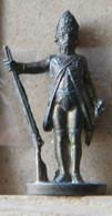 MONDOSORPRESA, (SLDN°42) KINDER FERRERO, SOLDATINI IN METALLO 18 - 19 SECOLO D19 35 MM - Figurine In Metallo