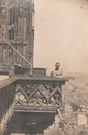 STRASBOURG. - Carte-Photo D'un Militaire Sur Un Balcon De La Cathédrale - Strasbourg