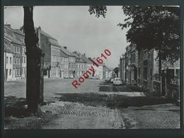 Ville De Limbourg. Place St. Georges. Autos. Photo Lander. - Limburg