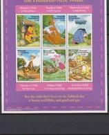 2519  Walt Disney  Grenada  Grenadines - Monday's Child In The Hundred - Acre Wood . - Grenade (1974-...)