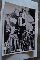 Coureurs Cyclistes, Tour De France 1958, Charly Gaul Et Frédérico,24 Cm. Sur 17,5 Cm. - Cyclisme