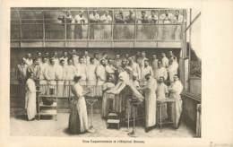 75013 - PARIS - Une Laparotomie à L'Hopital Broca - Illustration Opération De Chirurgie - Arrondissement: 13