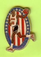 Pin's Magic Johnson Basketball - 3FF09 - Basketball