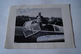RARE Photo Avec Autographe Original De L'aviatrice Elly Beinhorn,15 Cm. Sur 10,5 Cm.Aviation - Autographes