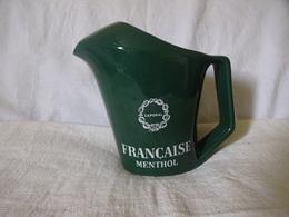 """RARE . - . ANCIEN PICHET EN CERAMIQUE """" CAPORAL """" """" FRANCAISE """" MENTHOL. FABRICATION LONGCHAMP FRANCE - Karaf"""
