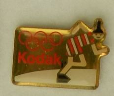 CC208 Pin's Albertville JO Olympic Games Jeux Olympiques KODAK PHOTO PATINAGE Achat Immediat - Photographie