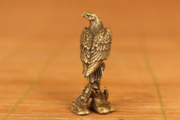 Rare Ancienne Statue D'aigle En Bronze Sculpté à La Main - Asian Art