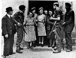 Reproduction De Photo De Guerre 39/45 - - War, Military