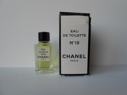 (40) CHANEL  N° 19 - Miniature De Parfum - Miniaturen Flesjes Dame (met Doos)