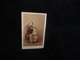 Photo.Tirage Privé . Pére Et Fille  (Famille Cottinet ) Photographe Pesme ,Chaussée D ' Antin à Paris .Voir 2 Scans . - Photos