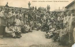 55 - Stenay - 18e Bataillon De Chasseurs - Corvée De Pommes De Terre - Animée - Oblitération Ronde De 1910 - Militaria - - Stenay