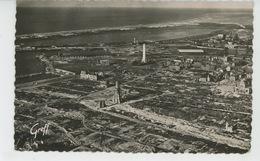 CALAIS - Vue Aérienne - La Tour Du Guet, Le Phare Et Eglise Notre Dame (1950) - Calais