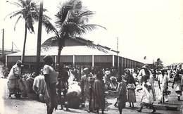 Afrique-SENEGAL (Marché De SAINT LOUIS) Cpsm Photo - Editions Colonial Photo  E.SURSOCK SAINT LOUIS * PRIX FIXE - Senegal