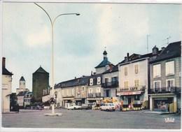 46 MARTEL En QUERCY Le Rond Point Façade Grand Café , Pharmacie , Voiture Année 1960 Citroen DS ,Renault 16 - France
