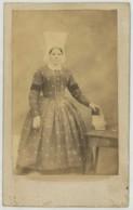 CDV 1860-70 . Femme Avec Coiffe . Bretonne ? Bretagne ? - Anciennes (Av. 1900)