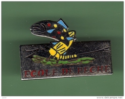 ECOLE DE PECHE *** 1027 - Badges