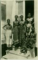 AFRICA - NUDE / NAKED BLACK WOMAN  POSTCARD C.1920 RPPC RISQUE - SLIGHT BORDERS TRIM (BG703) - Afrique Du Nord (Maghreb)